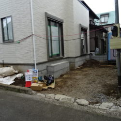 駐車スペース(6月4日撮影時点)